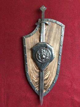 Кованый щит лев (Эскалибур)