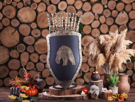 ЩИТ (Медведь) с 8 шампурами и 3 аксессуарами