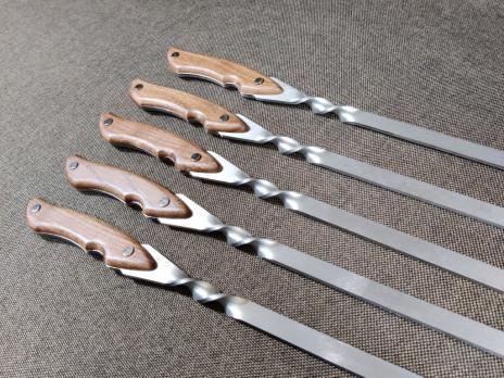 Шампур с деревянной накладкой на ручку